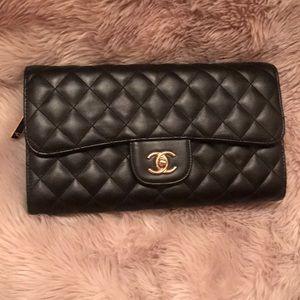 Handbags - Chain purse 🖤 taking offers